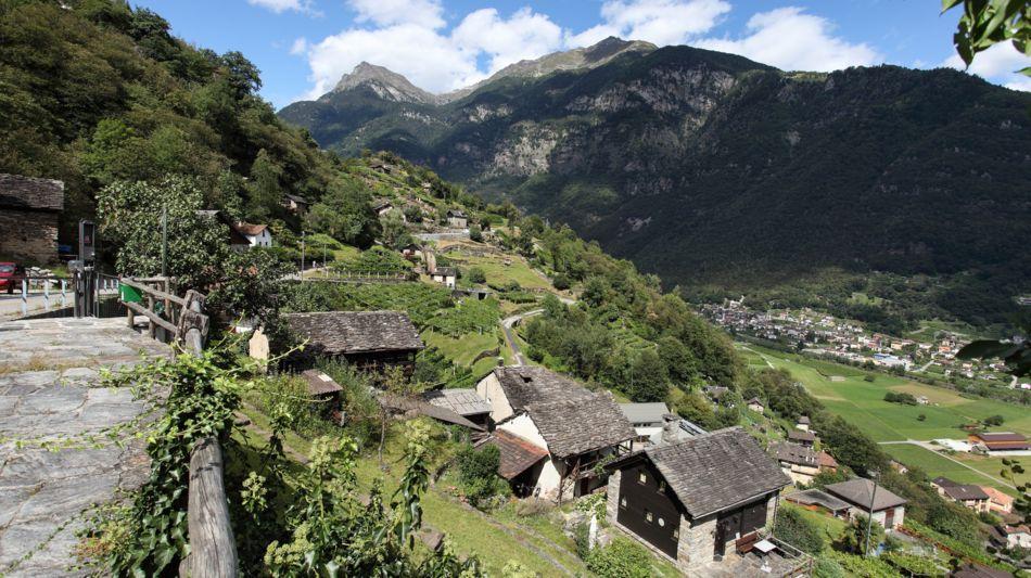 veduta-panoramica-valle-di-blenio-1166-0.jpg