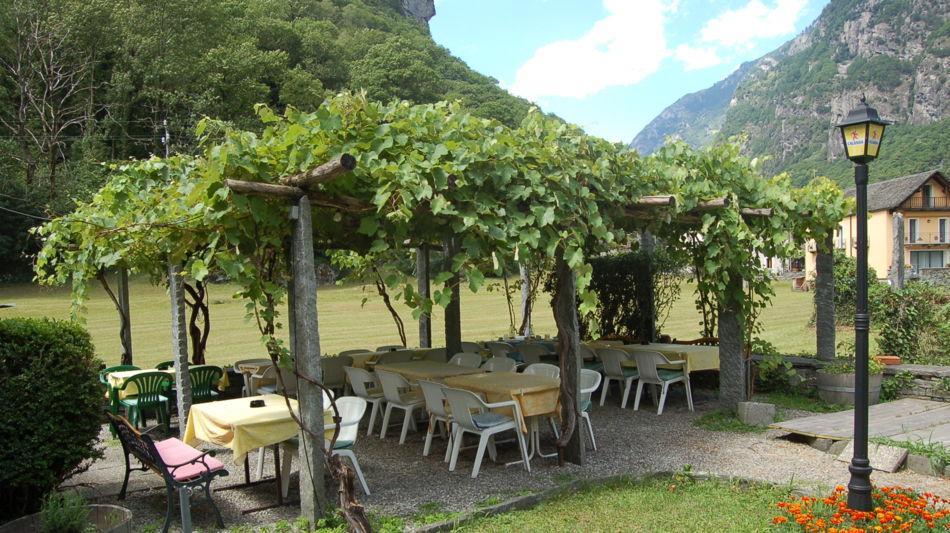 maggia-ristorante-turisti-bignasco-2654-0.jpg
