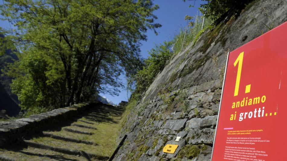 sentiero-grotti-di-cama-7034-1.jpg