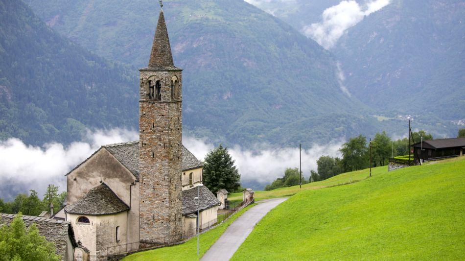 sobrio-chiesa-di-sobrio-1215-0.jpg