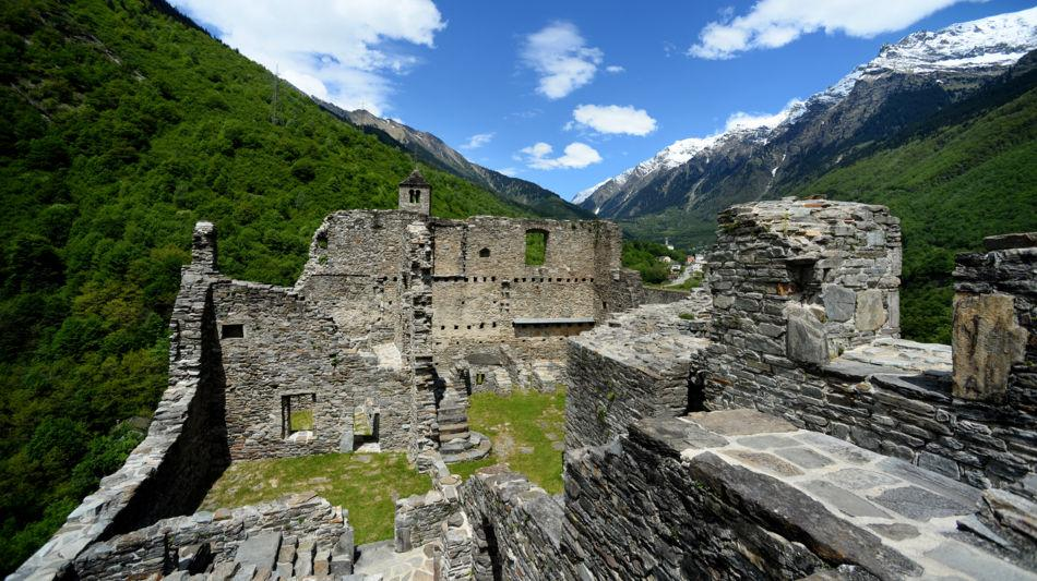 svizzera-castello-di-mesocco-3787-0.jpg