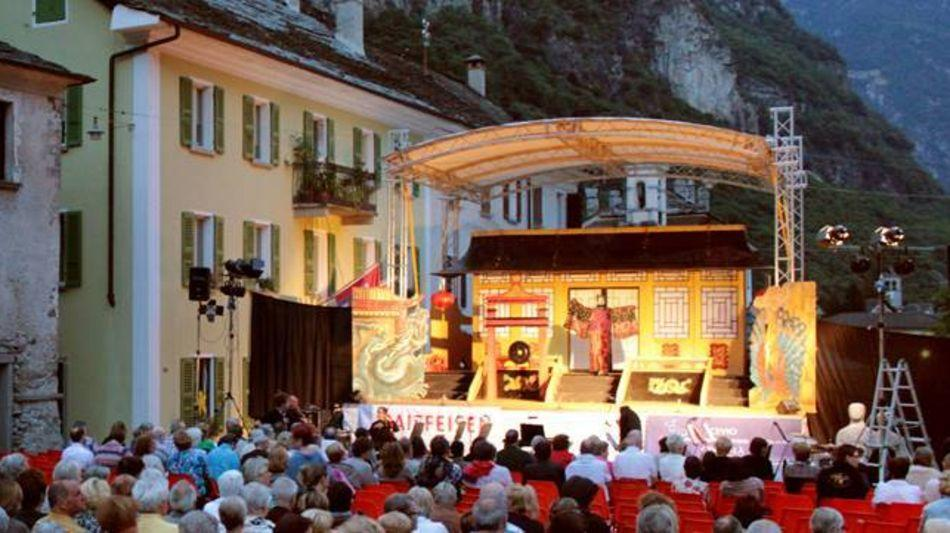 cevio-operetta-in-piazza-1253-3.jpg