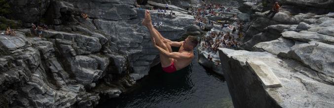 cliff-diving-ponte-brolla-1227-0.jpg