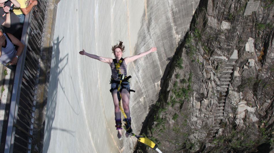 diga-della-verzasca-bungy-jumping-8041-0.jpg