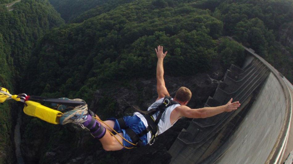 diga-della-verzasca-bungy-jumping-8042-0.jpg