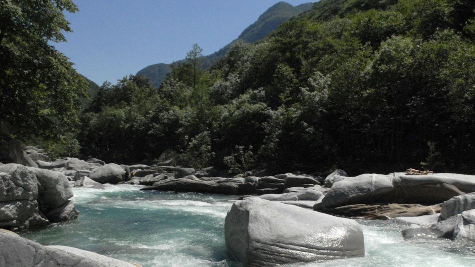 lavertezzo-lavertezzo-fiume-verzasca-1229-0.jpg