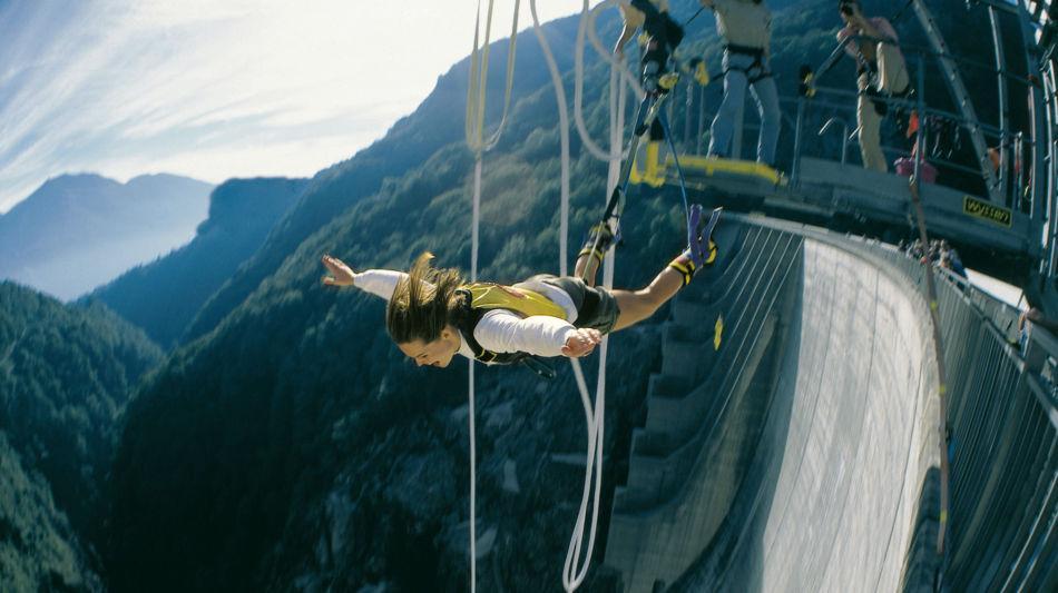 sport-estremo-bungy-jumping-verzasca-725-0.jpg