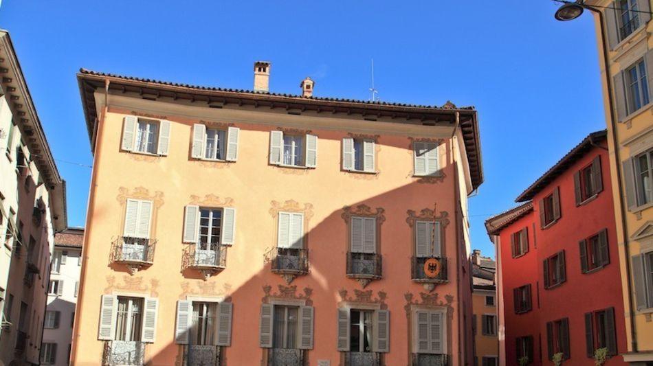 lugano-piazza-cioccaro-6287-0.jpg