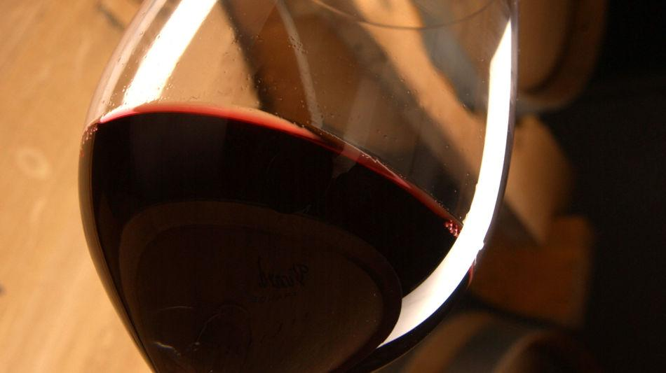 merlot-bicchiere-di-vino-botti-6387-0.jpg