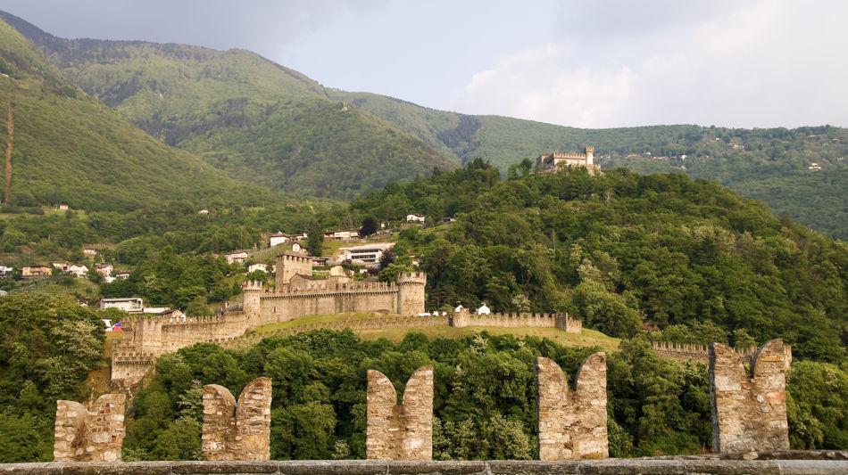 bellinzona-castello-sasso-corbaro-1328-1.jpg