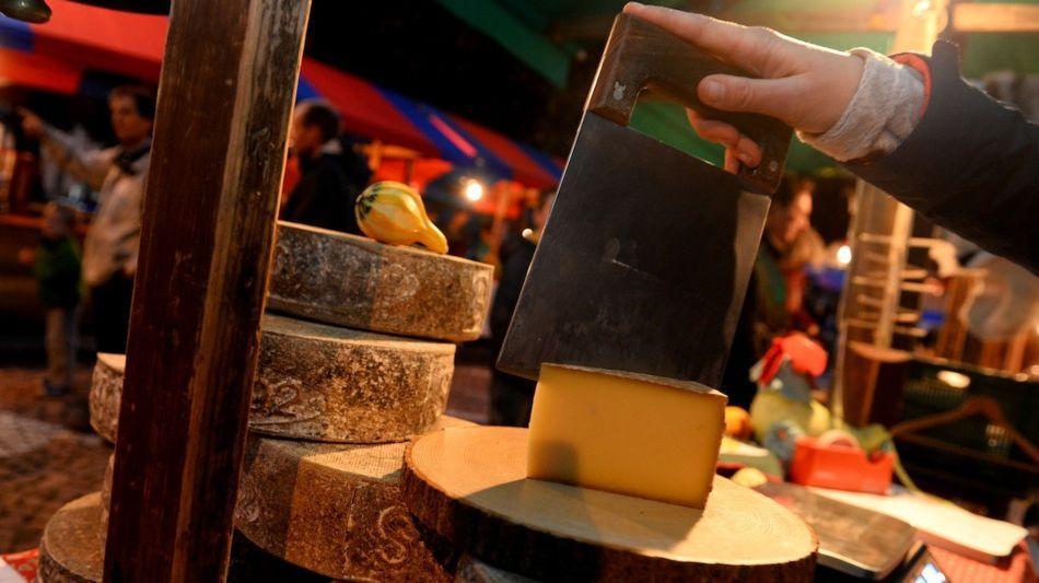 bellinzona-mercato-dei-formaggi-dalpe-9230-0.jpg