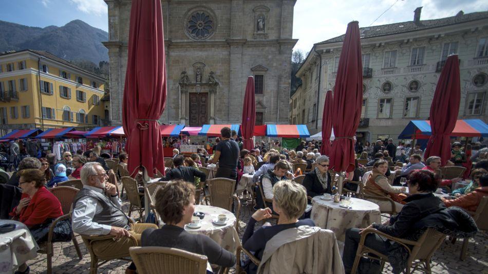 bellinzona-mercato-settimanale-1091-1.jpg