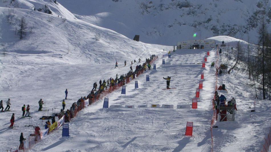airolo-sci-freestyle-sulle-piste-di-pe-1365-0.jpg