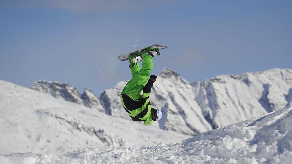 bosco-gurin-snowboard-9736-0.jpg