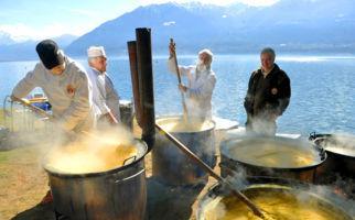 Buntes Fischfest in Muralto