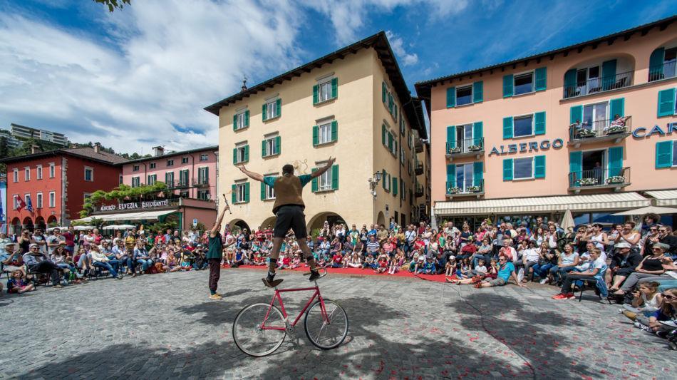 ascona-artisti-di-strada-1493-1.jpg