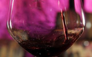bicchiere-di-vino-rosso-1537-0.jpg