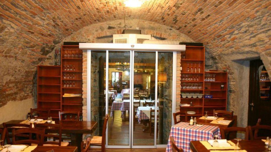 castel-san-pietro-grotto-loverciano-3831-0.jpg