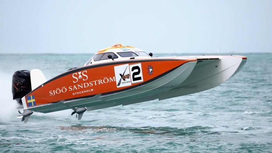 motonautica-offshore-xcat-1526-1.jpg