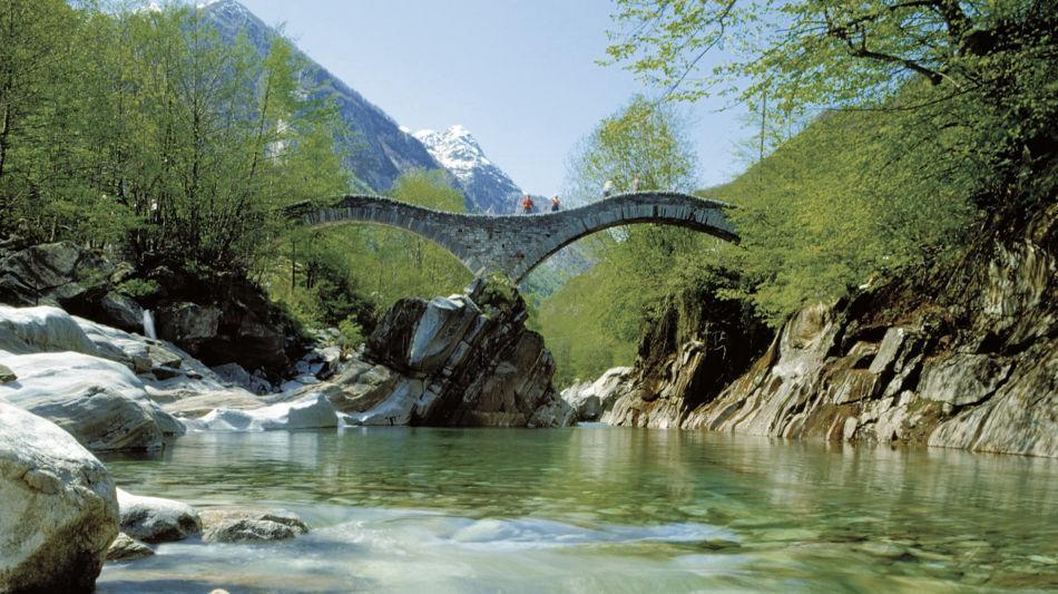 lavertezzo-fiume-verzasca-1546-0.jpg