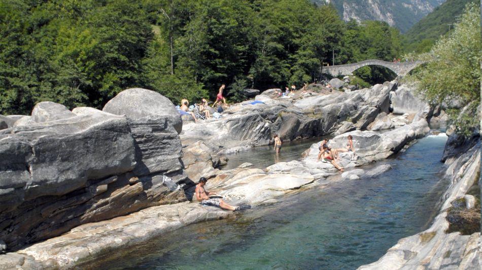 lavertezzo-fiume-verzasca-8027-0.jpg