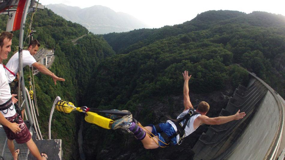 adventure-bungee-jumping-1640-1.jpg