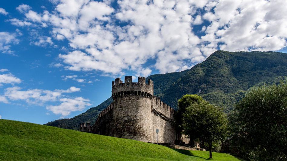 bellinzona-castello-di-montebello-1615-1.jpg