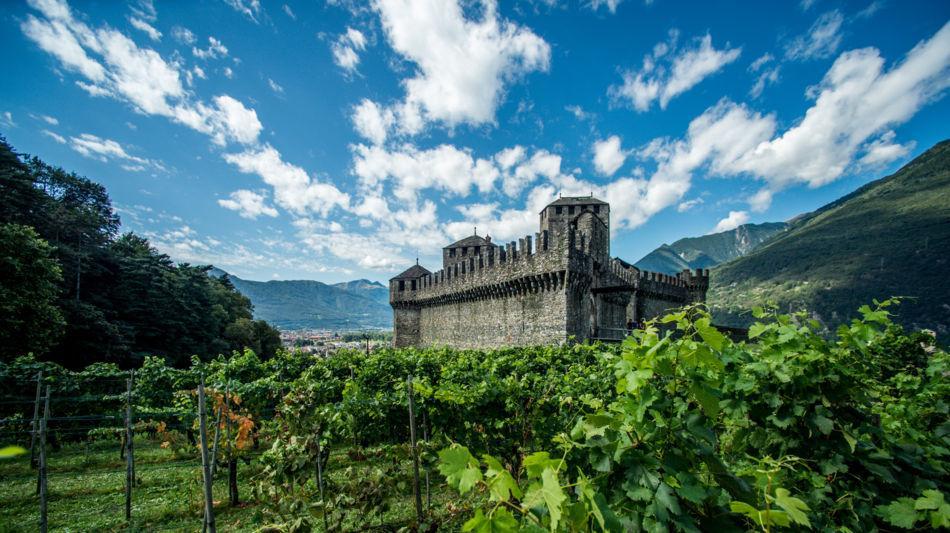 bellinzona-castello-di-montebello-1615-2.jpg