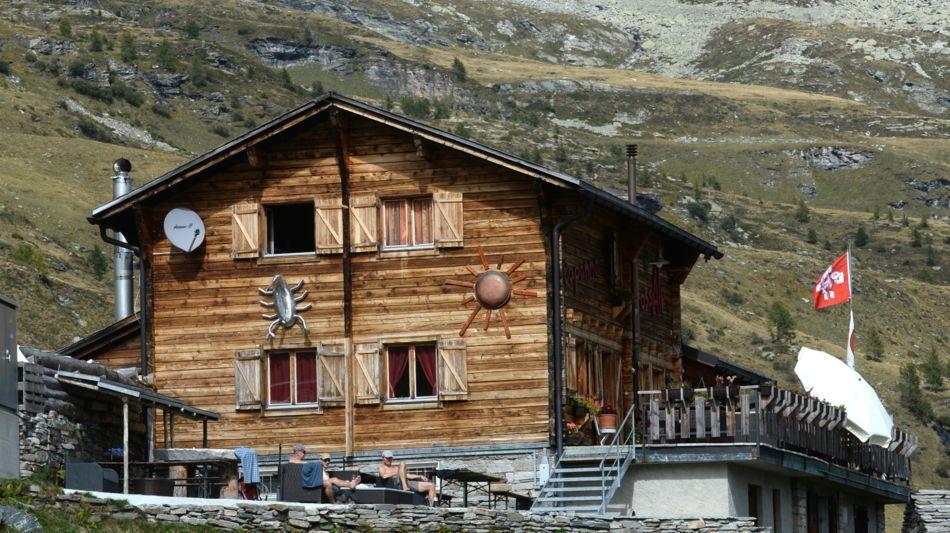 bosco-gurin-capanna-alpina-1619-0.jpg