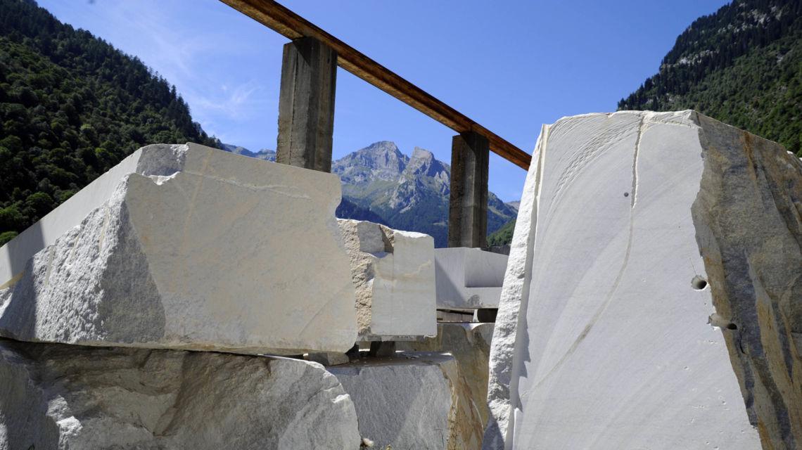 marmo-della-vallemaggia-peccia-7862-0.jpg