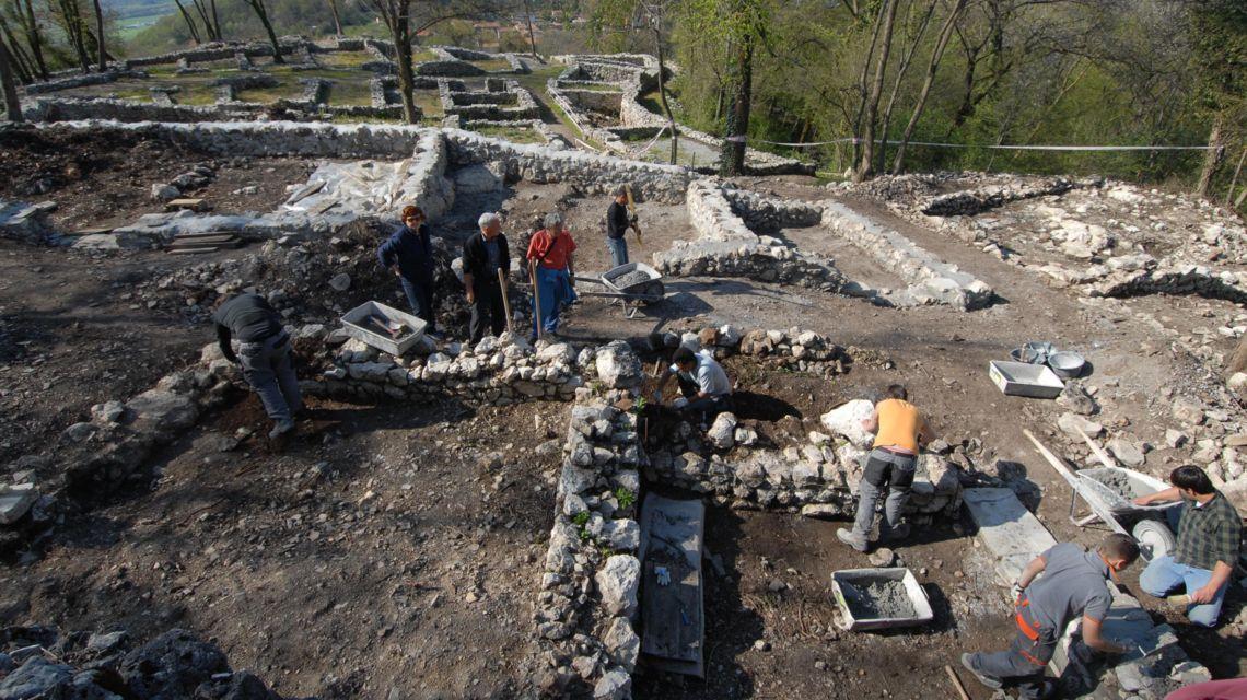 scavi-archieologici-1468-0.jpg