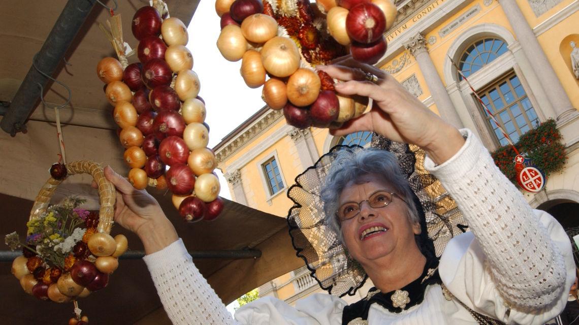 lugano-mercato-delle-cipolle-3980-0.jpg