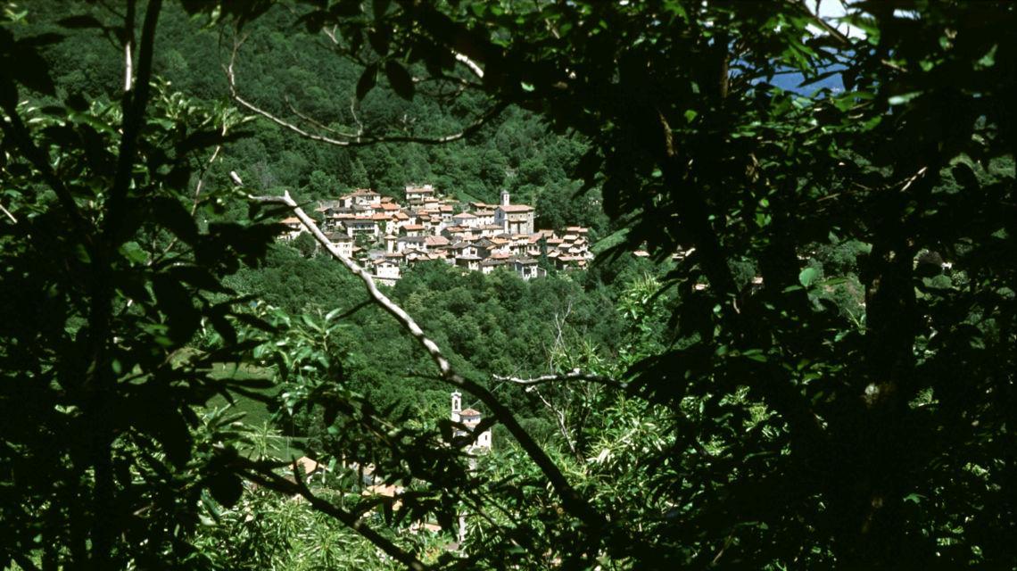 veduta-del-paese-di-mugena-1721-0.jpg