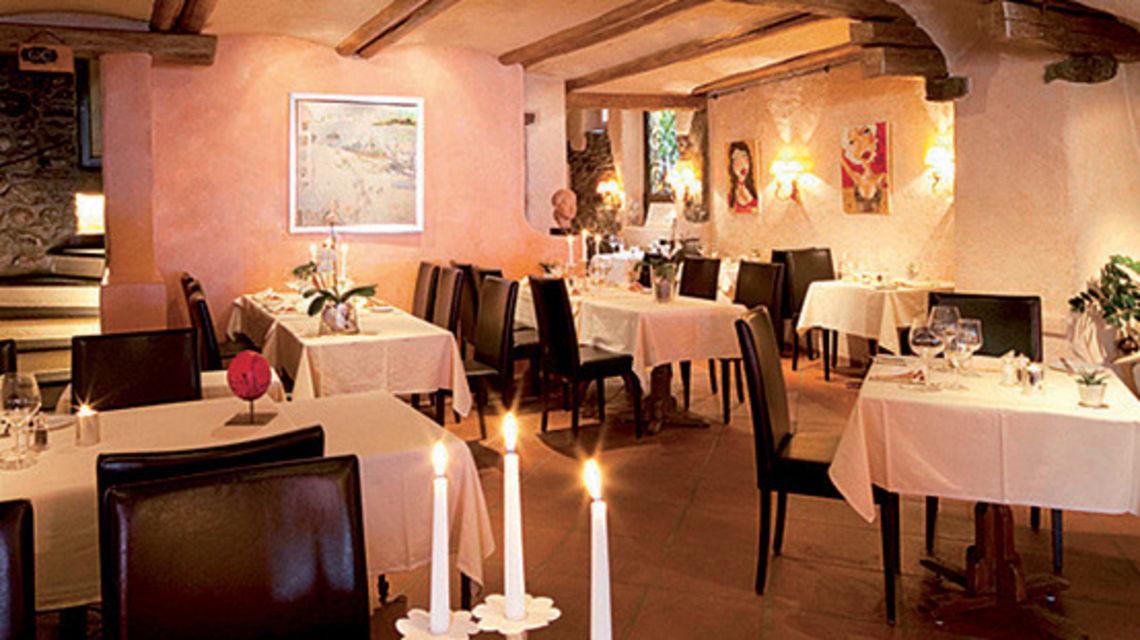 ascona-ristorante-al-pontile-1739-0.jpg