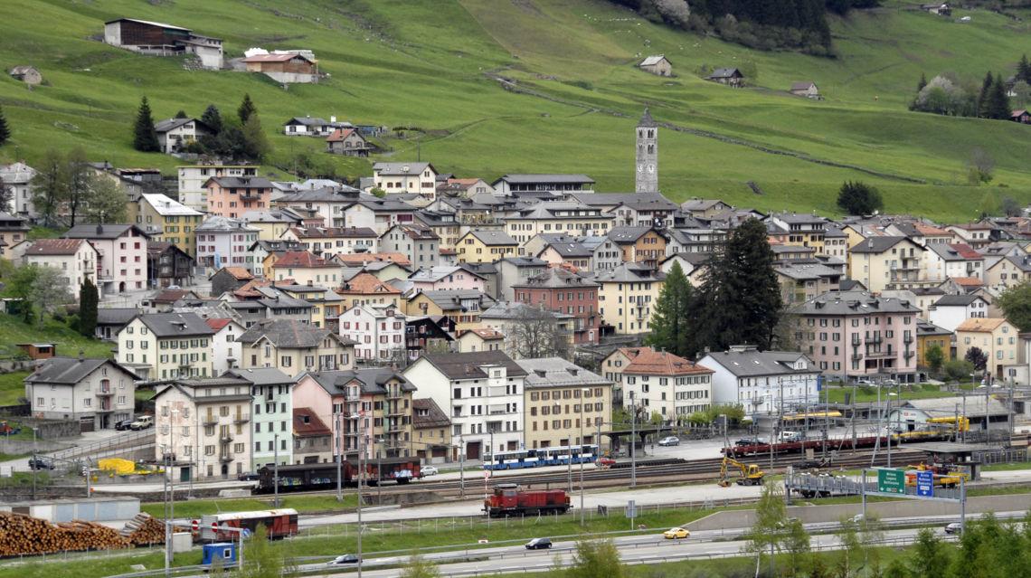 Airolo-veduta-paese-8490-TW-Slideshow.jpg
