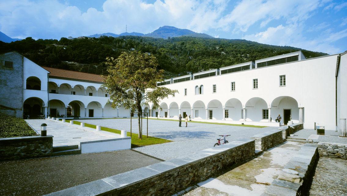Architettura-Moderna-Convento-Agostiniane-2104-TW-Slideshow.jpg