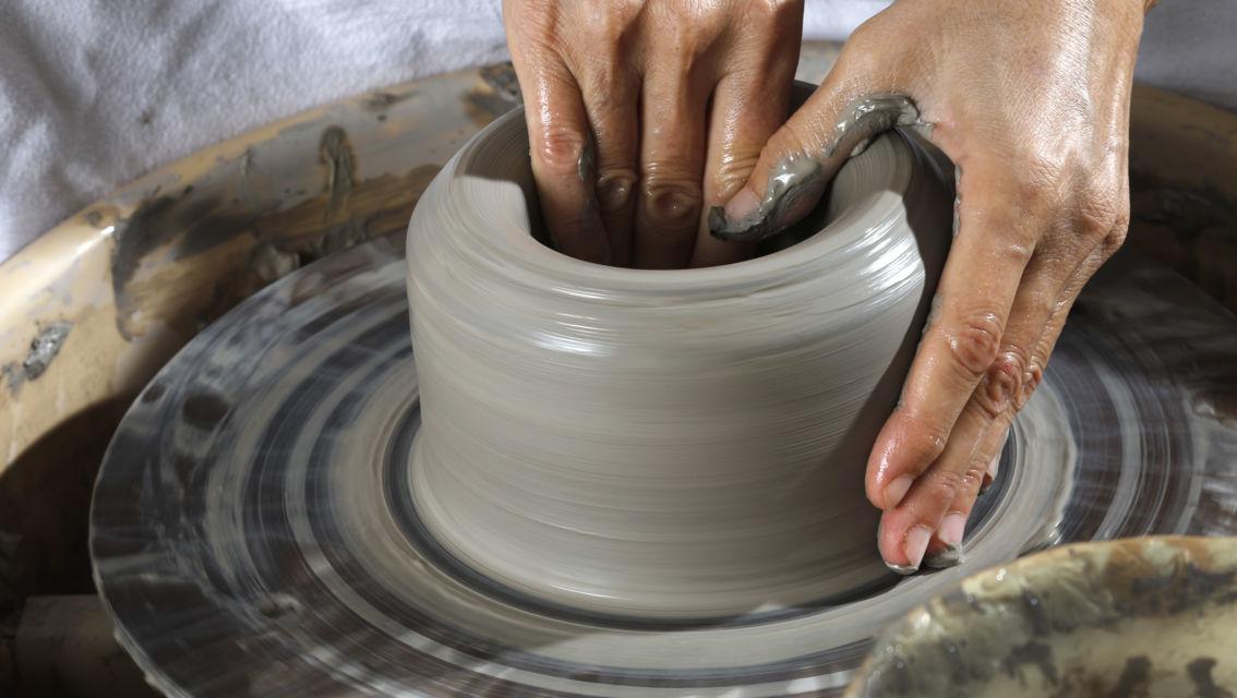 Artigianato-lavorazione-della-ceramica-8737-TW-Slideshow.jpg