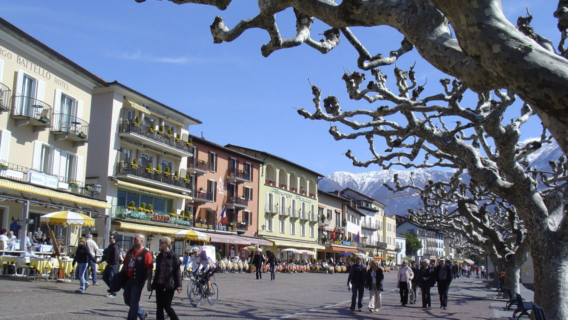 Ascona-Piazza-20626-TW-Slideshow.jpg