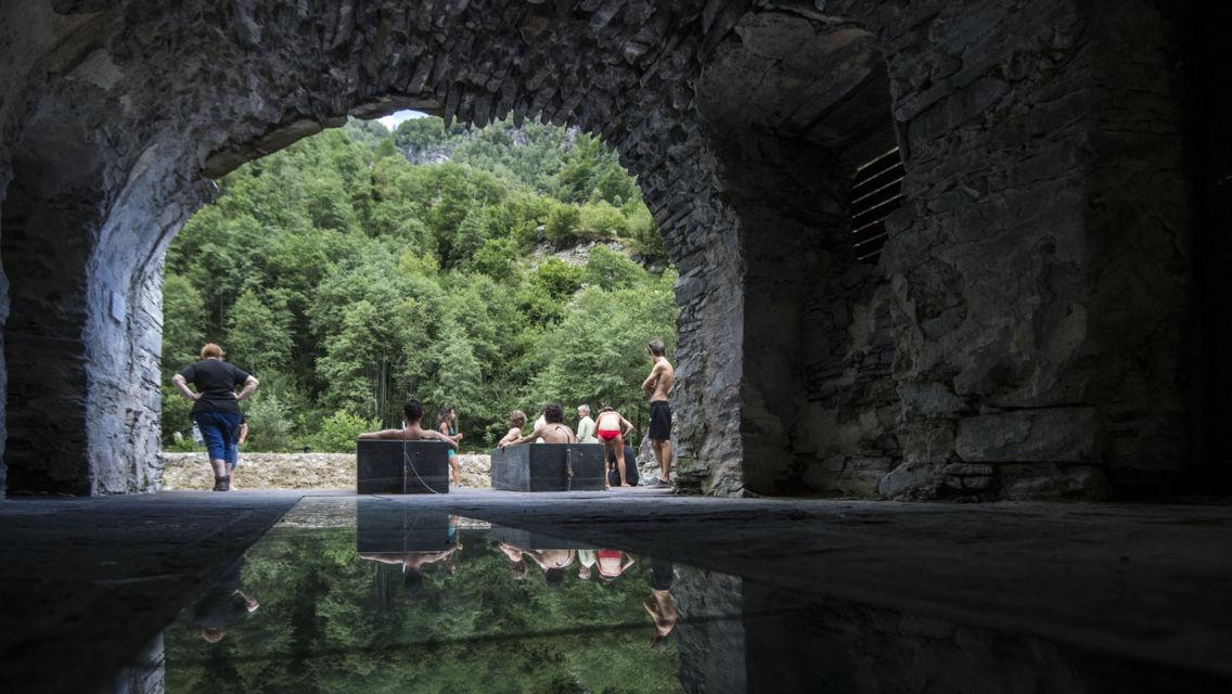 Bagni-di-Craveggia-19844-TW-Slideshow.jpg