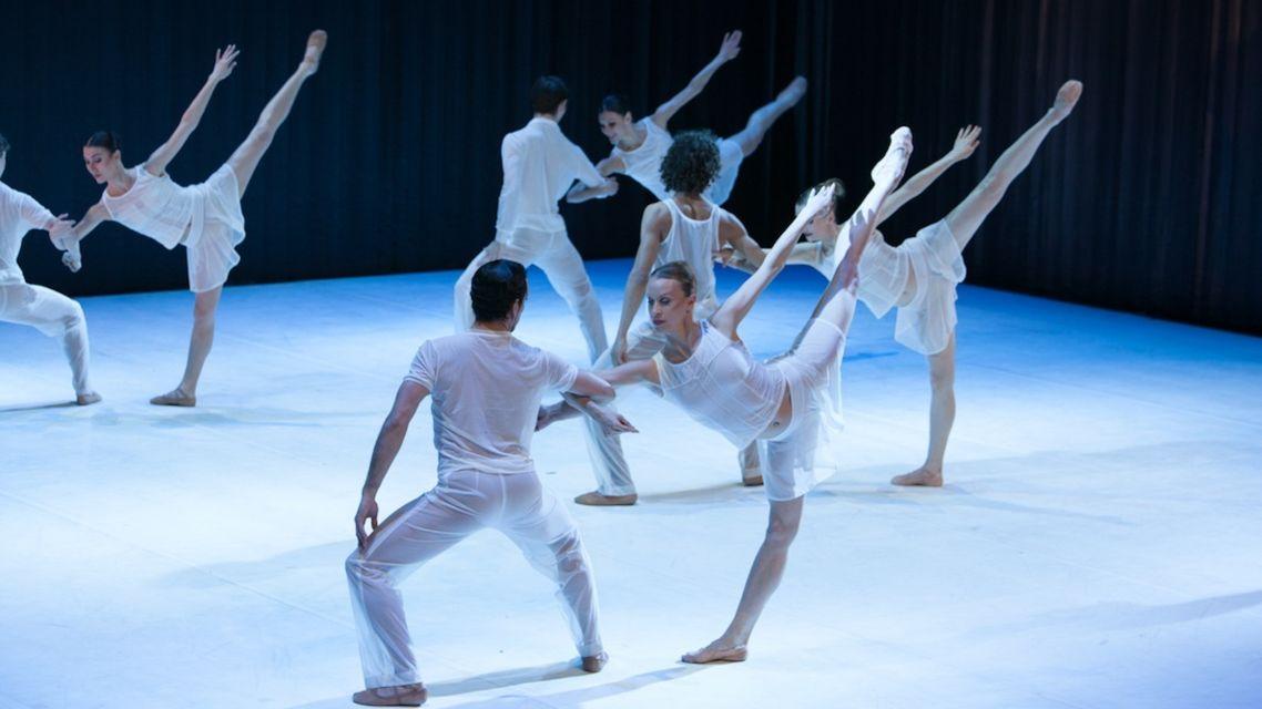 Ballet-Bejart-22991-TW-Slideshow.jpg
