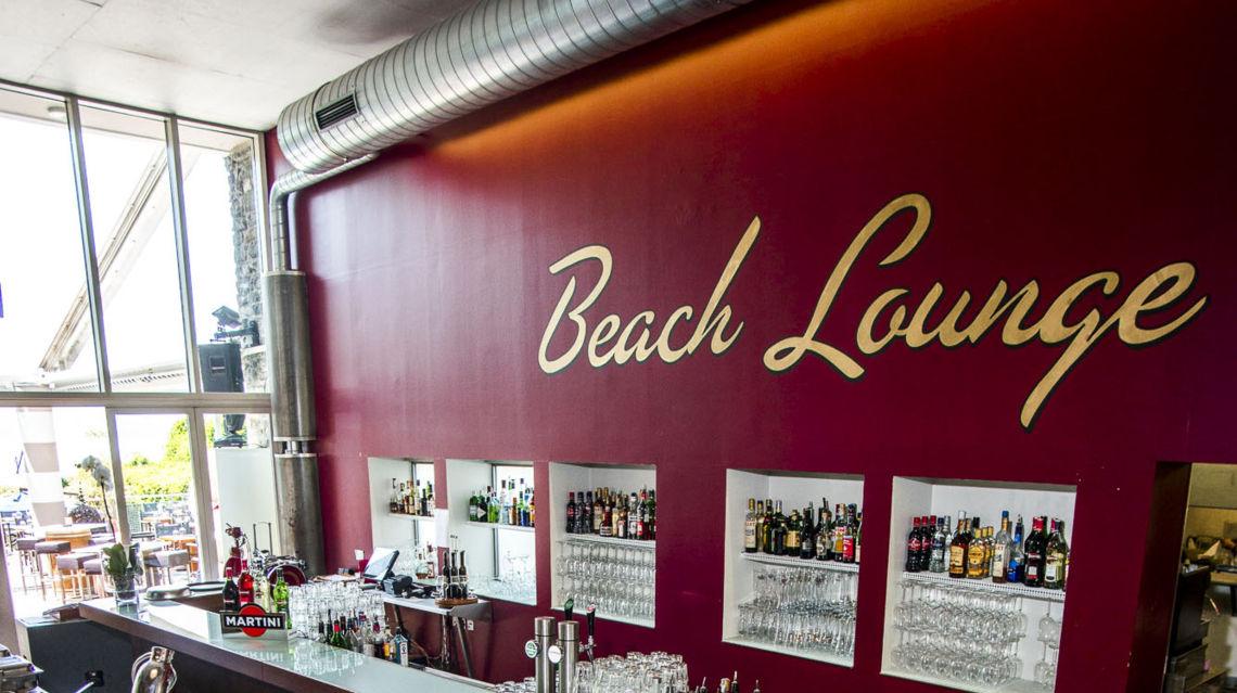 Beach-Lounge-8851-TW-Slideshow.jpg