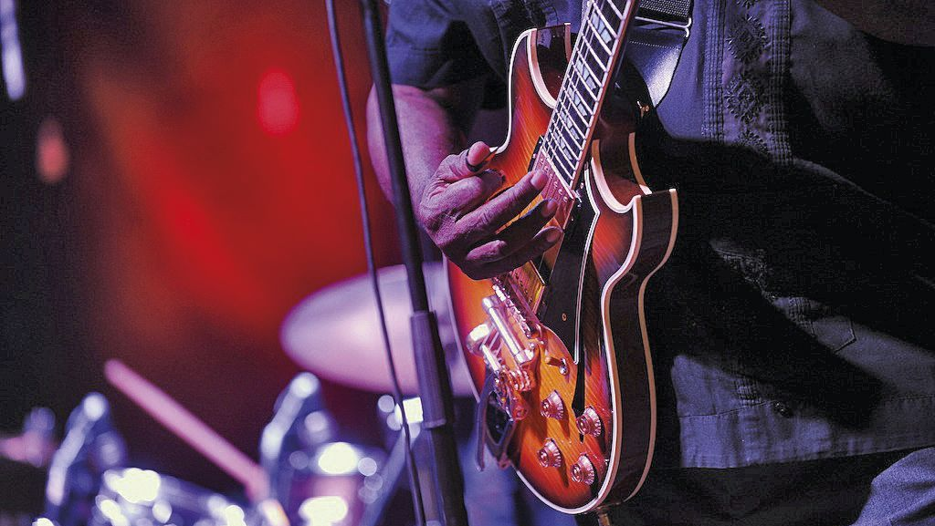 Blues-to-Bop-8608-TW-Slideshow.jpg
