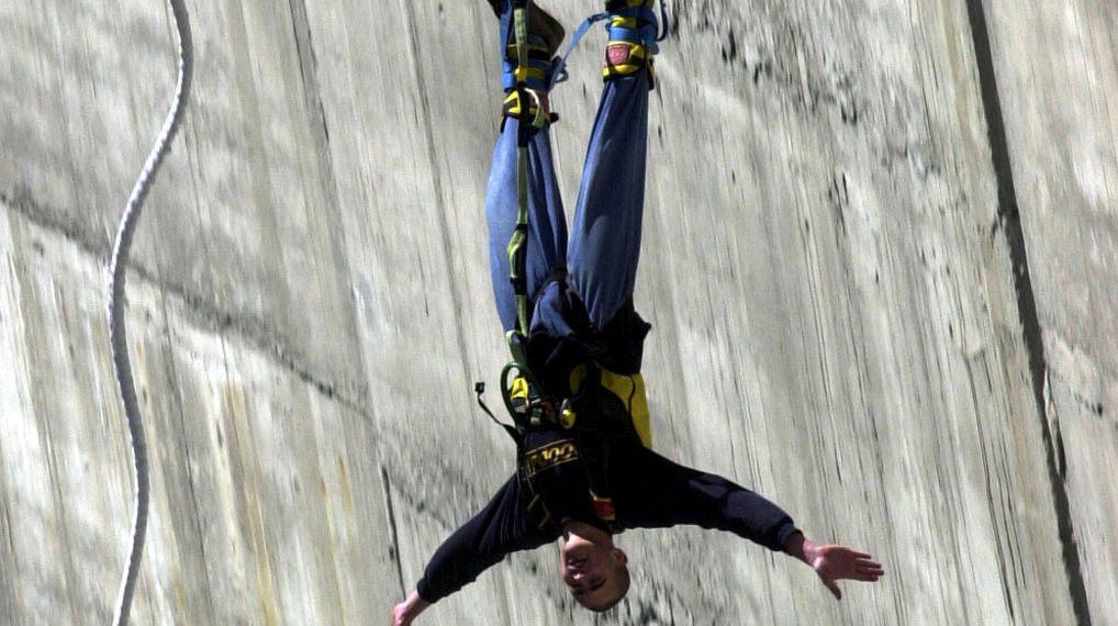 Bungy-Jumping-8038-TW-Slideshow.jpg