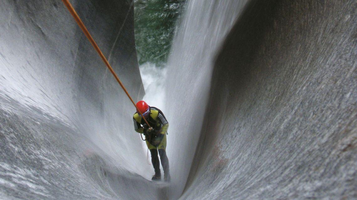Canyoning-726-TW-Slideshow.jpg