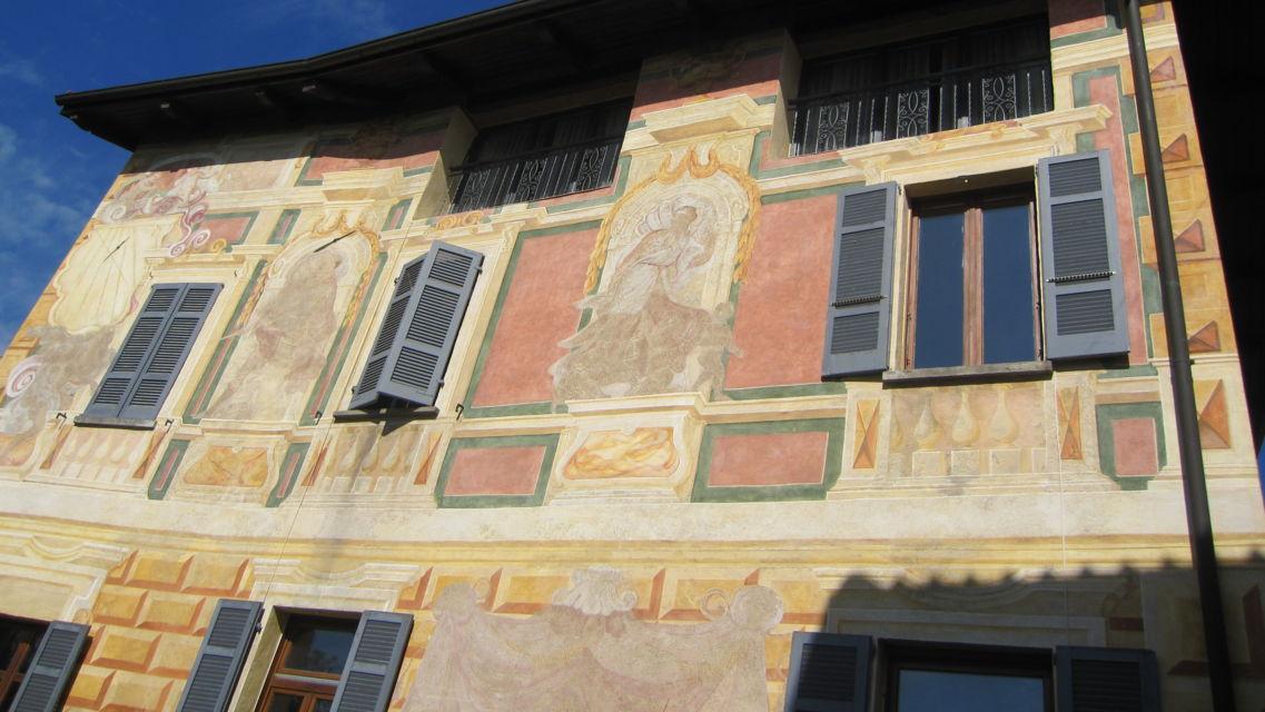 Casa-affrescata-8227-TW-Slideshow.jpg