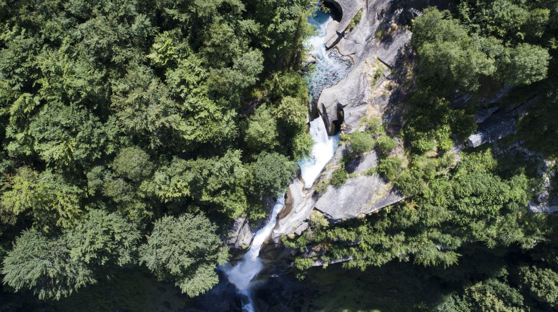 Cascata-di-Foroglio-24636-TW-Slideshow.jpg