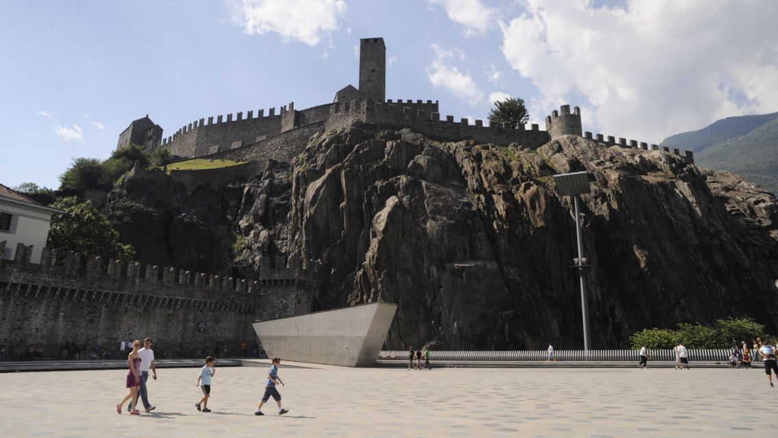 Castelgrande-23930-TW-Slideshow.jpg