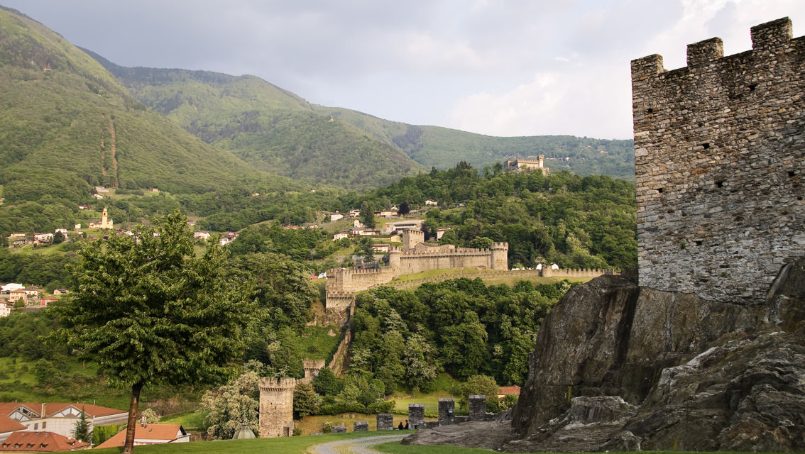 Castelli-di-Bellinzona-Veduta-dall-alto-19539-TW-Slideshow.jpg