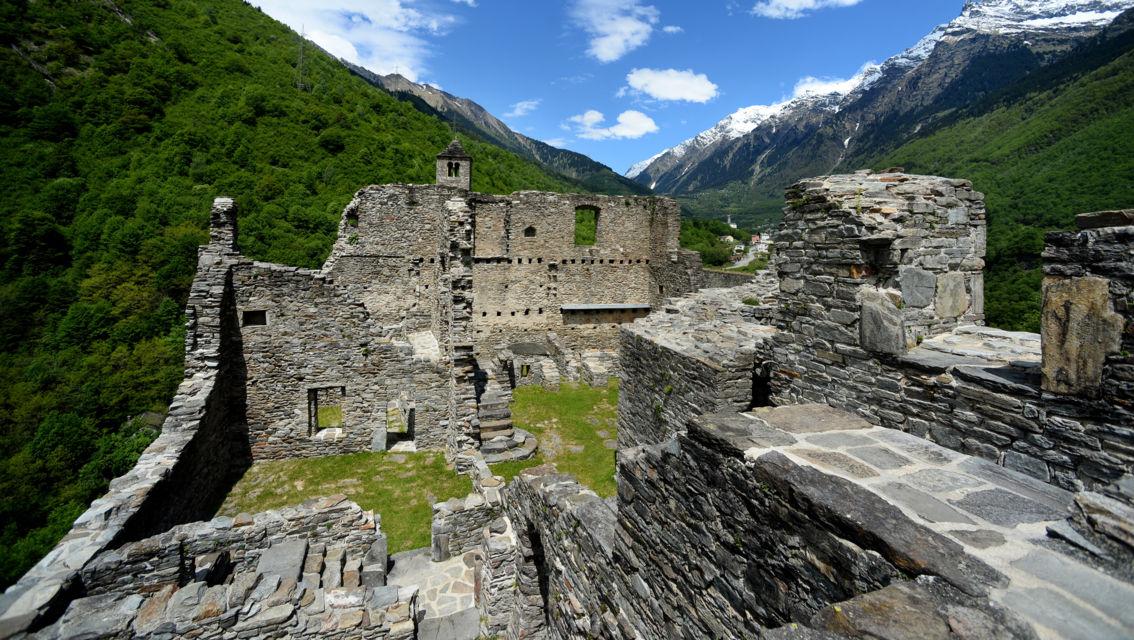 Castello-di-Mesocco-3787-TW-Slideshow.jpg