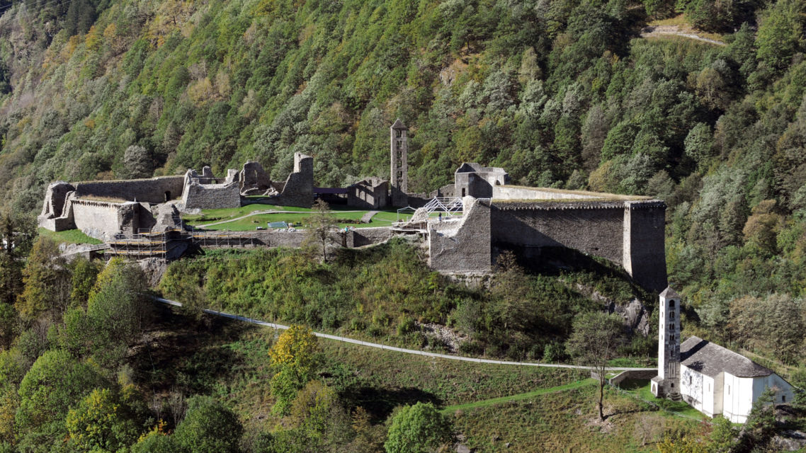 Castello-di-Mesocco-3793-TW-Slideshow.jpg